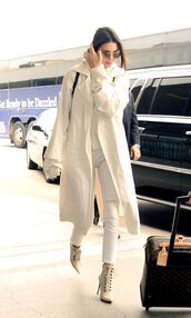 coat,ankle boots,white,kendall jenner,white jeans,sweater,top,trench coat,spring outfits,hoodie,white long coat