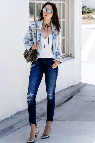 fit fab fun mom blogger tank top jacket jeans shoes bag sunglasses jewels