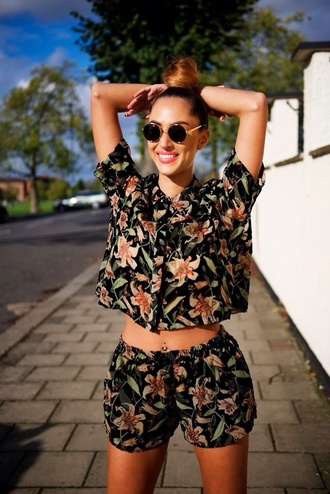 shorts blouse flowers skirt pants flowered shorts floral two-piece jumpsuit westcoast black summer romper tropical top crop tops