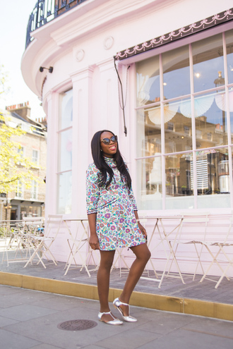 i want you to know blogger dress tights shoes jewels sunglasses