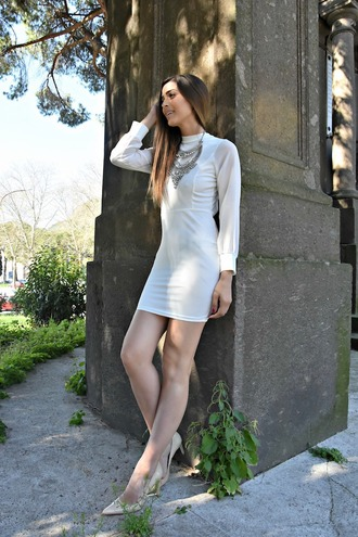 cosamimetto blogger jewels dress shoes white dress long sleeve dress pumps high heel pumps