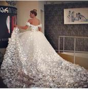 bride,bride dresses,wedding dress,bridal gown,wedding clothes,white dress,flowers,wedding