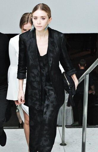 olsen sisters blogger earrings tailoring classy jewels jacket bag