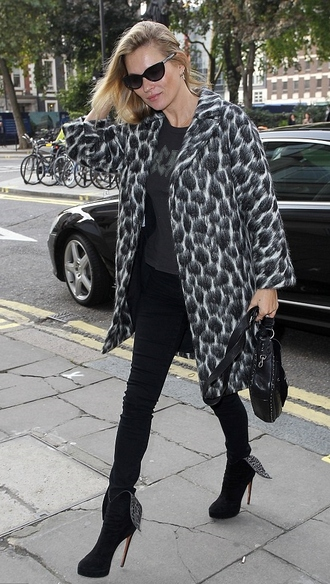coat fall outfits kate moss animal print