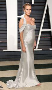 dress,silver,silver dress,rosie huntington-whiteley,model,Oscars 2017,maxi dress,silk dress,oscars