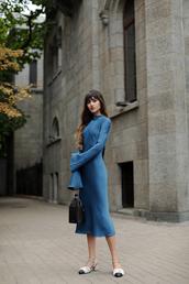 dress,blue dress,long sleeves,midi dress,mid heel sandals,bag