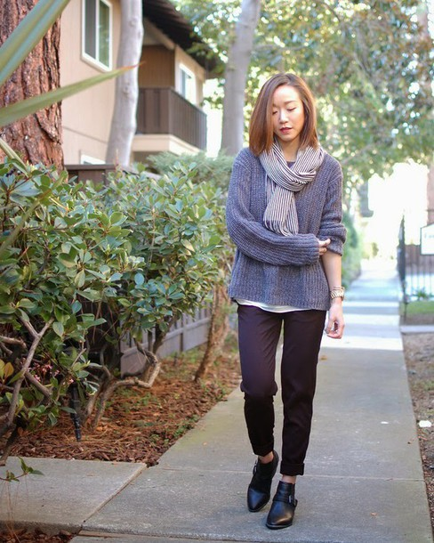 monkeyshines blogger knitted sweater grey sweater black shoes chelsea boots