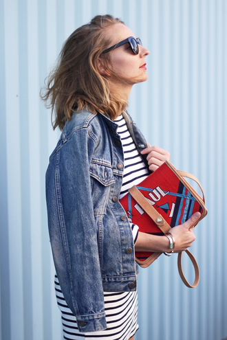 jane's sneak peak blogger denim jacket red bag striped top