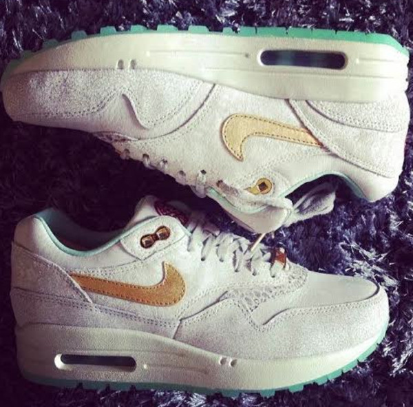 shoes nike air baby blue gold