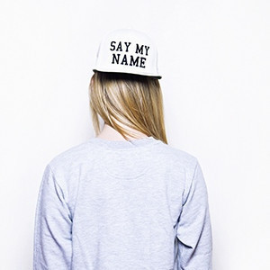 Say my name snapback (white/black) – the street boutique