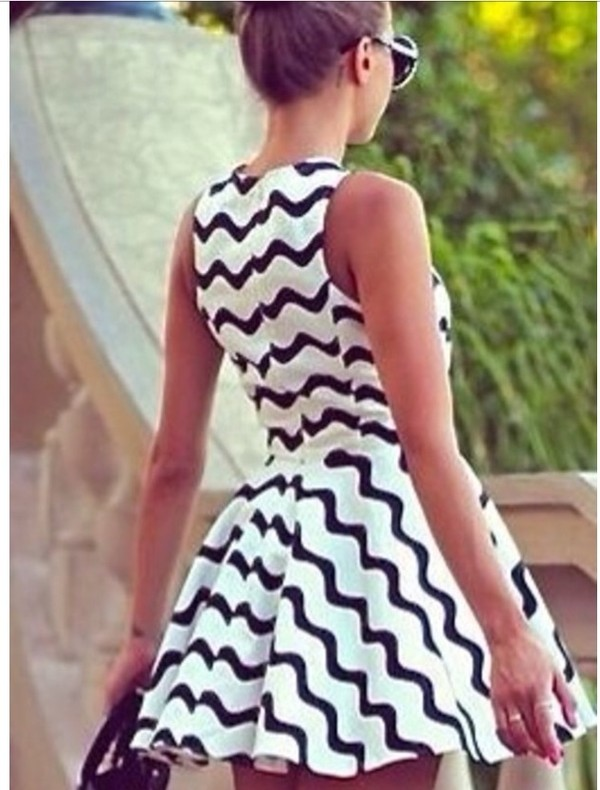 dress dress black white motifs courte