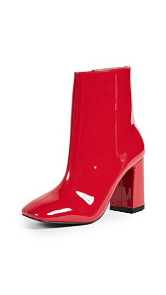 Jaggar red shoes