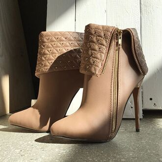 shoes booties studded studs beige taupe tan boots quilted gojane