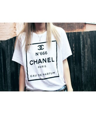 t-shirt chanel top summer trendy fashion style white logo it girl shop paris