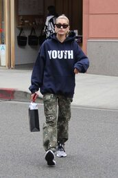 sweater,hoodie,camouflage,camo pants,hailey baldwin,shawn mendes,streetstyle,casual