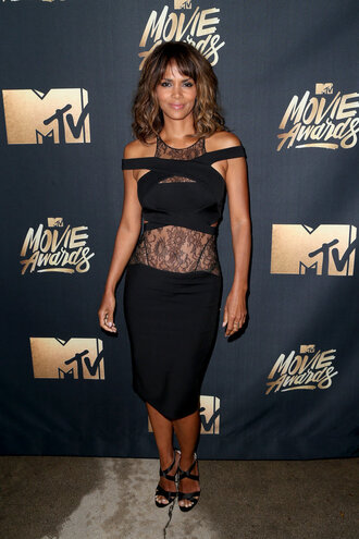 bodycon dress black dress little black dress halle berry mtv movie awards sandals lace dress black lace dress black lace black heels