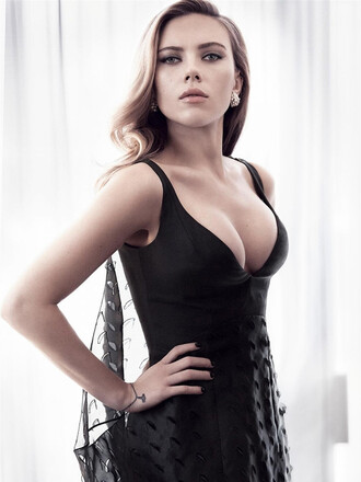 scarlett johansson dress black black dress cleavage cleavage dress