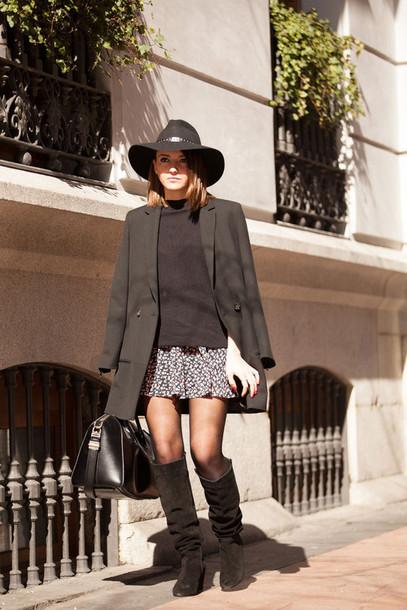 lovely pepa blogger hat knee high boots mini skirt black coat