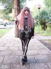 sweater,pastel goth,black,grey,fluffy,cool,90s style,goth