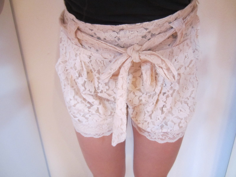 Rosé / Rosa farbene High Waist Spitzen Shorts - kleiderkreisel.de