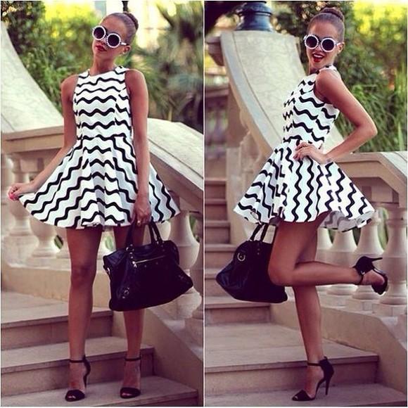 stripes striped dress black and white dress mini dress wave dress printed dress graphic dress skater dress blogger dress casual chic sleeveless
