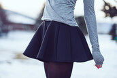 skirt,flare skirt,top,short,t-shirt,black,grey,girl,fashion,blue,outfit,winter outfits