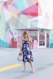 suburban faux-pas,blogger,dress,jewels,bag,shoes,sunglasses,blue dress,floral dress,sandals