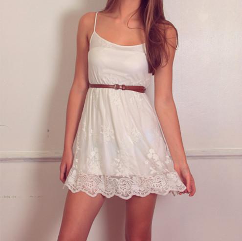 Lace detailed hem mini dress – sirenlondon