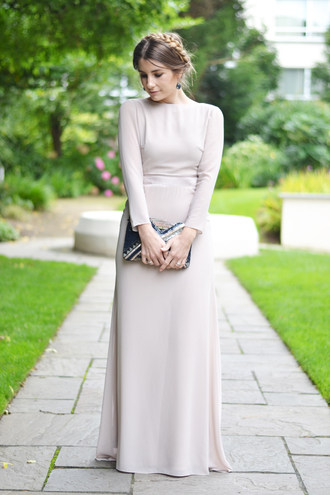 the 109 block blogger dress shoes bag jewels long sleeves long sleeve dress white dress clutch maxi dress