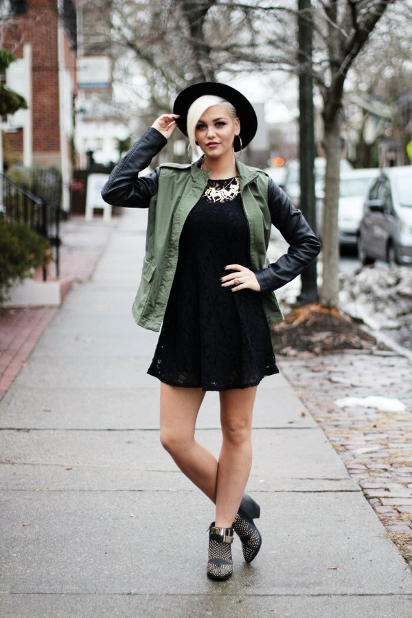 what she wore dress jacket shoes hat