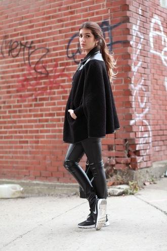 the boho flow blogger bag nike running shoes cape