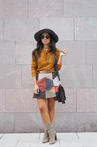 style by nelli blogger suede skirt moschino fall skirt patchwork lace up top rust suede boots