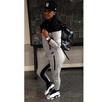 pants nike black gray jumpsuit nike flyknit nikr zip up nike trainers