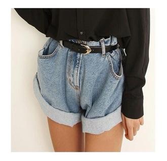 shorts belt shirt