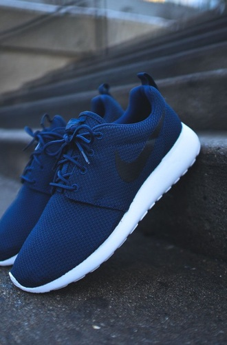 shoes dark blue navy nike roshe run