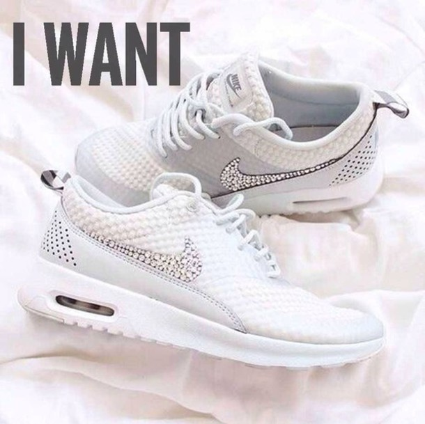 running shoes sportswear athletic air maxes white white dot tick white
