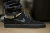 shoes,nike,black,skateboard,womens shoes,mens shoes