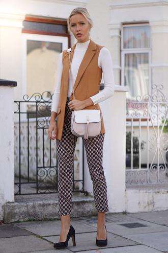 jolie janine blogger vest printed pants cropped pants