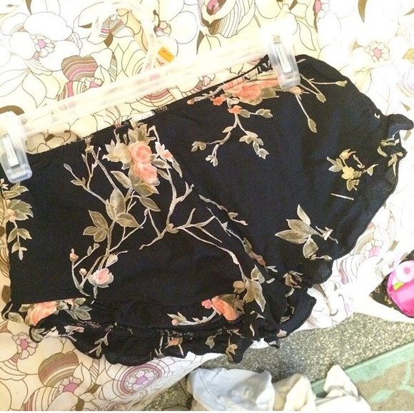 roses floral shorts hipster