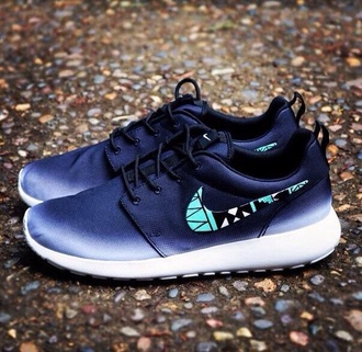 shoes nike roshes black pattern blue pretty gradien