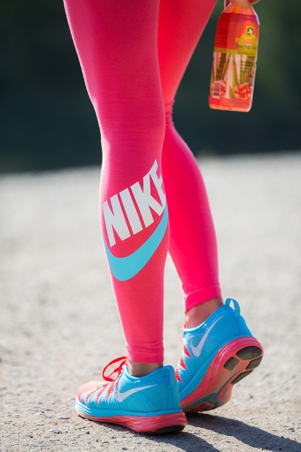 Pinkgymgirl Squishy Collection : NIKE WOMEN S PINK FUTURA LEG-A-SEE LEGGINGS TRAINING RUNNING PANTS M