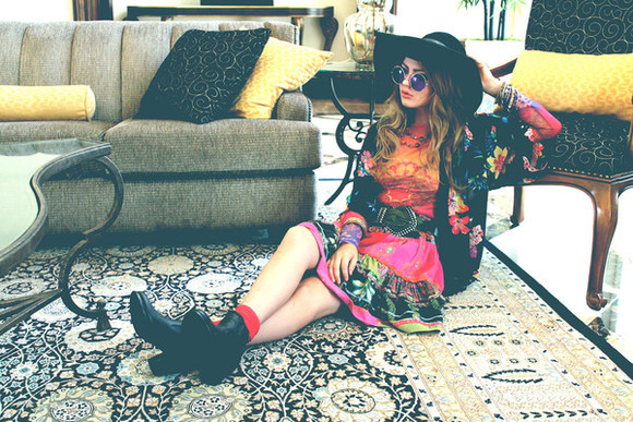 folk top boho blogger fated to be hated fall outfits hat