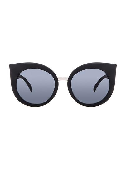 Quay sunglasses black