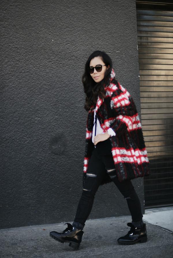 hallie daily blogger bag jeans sunglasses black jeans