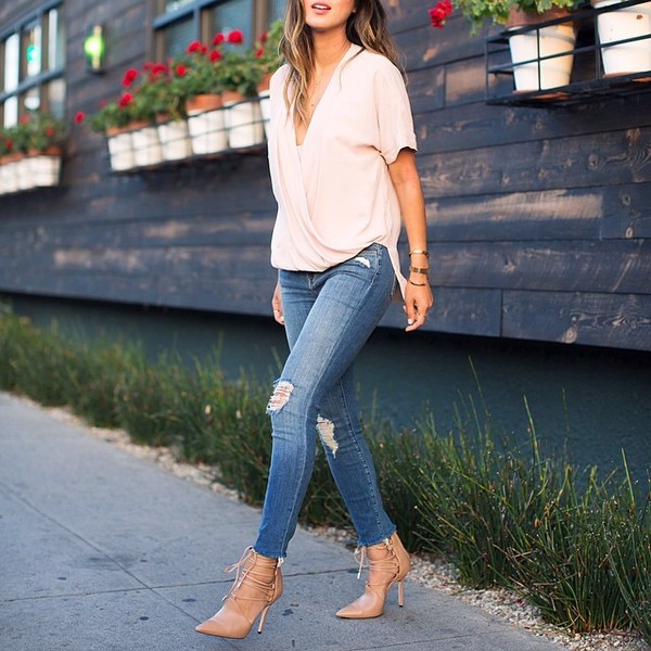 blouse ripped jeans denim shoes high heels jewelry