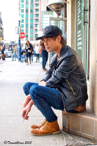 blue jeans snapback urban street shoes menswear mens shoes fashion style jeans dark blue leapord print print animal print shirt t-shirt jacket black hat city outfits streetwear clothes streetstyle dope dope shit dope hats tumblr swag jacket swag urban menswear mens cap