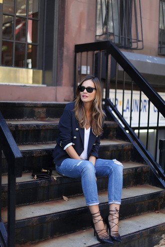 lady addict blogger jacket t-shirt jeans shoes bag sunglasses jewels
