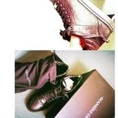 shoes,maniere de voir,sneakers,trainers,python