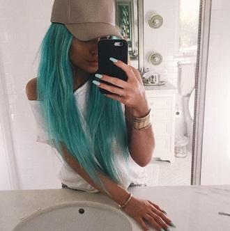 kylie jenner hat jewels jewelry bracelets stacked bracelets kylie jenner jewelry keeping up with the kardashians celebrity style