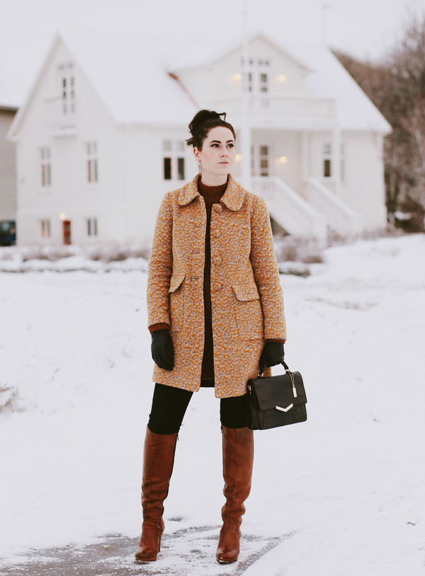 knie hohe stiefel aus leder braun. Black Bedroom Furniture Sets. Home Design Ideas